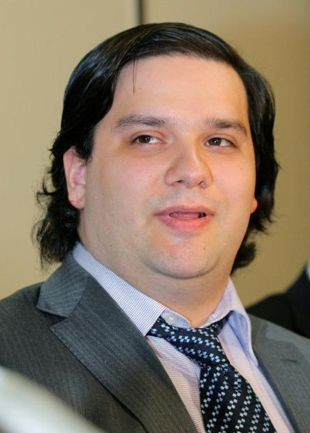 When Karpeles emerged from detention he had lost a considerable amount of weight