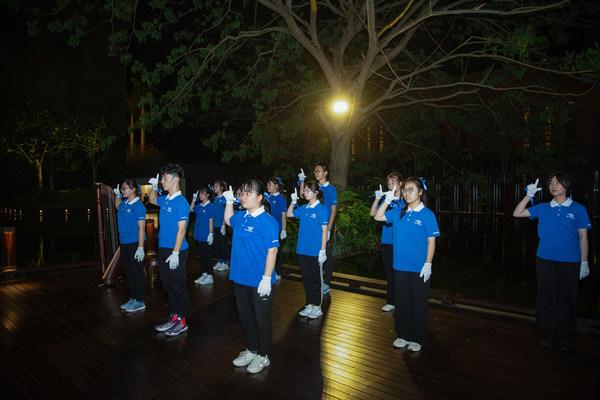 蓝丝带海洋保护协会志愿者手语演出——呵护蔚蓝