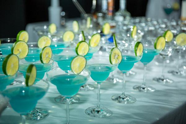 蓝色星球鸡尾酒