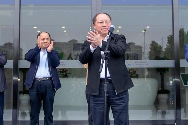 株洲市委常委、市人民政府常务副市长何剑波