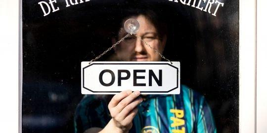 Tijdens de lockdown zijn alle horecazaken gedwongen gesloten, om het aantal coronabesmettingen te beperken.